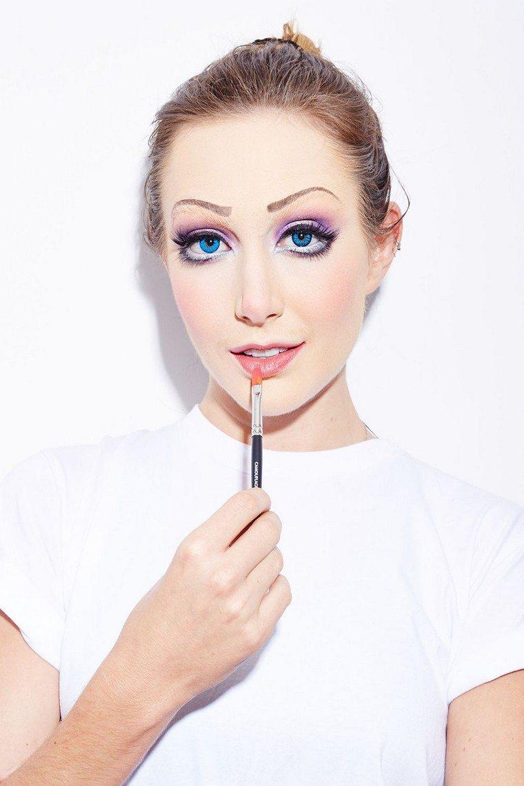 maquillaje-de-halloween-estilo-minalista-opciones