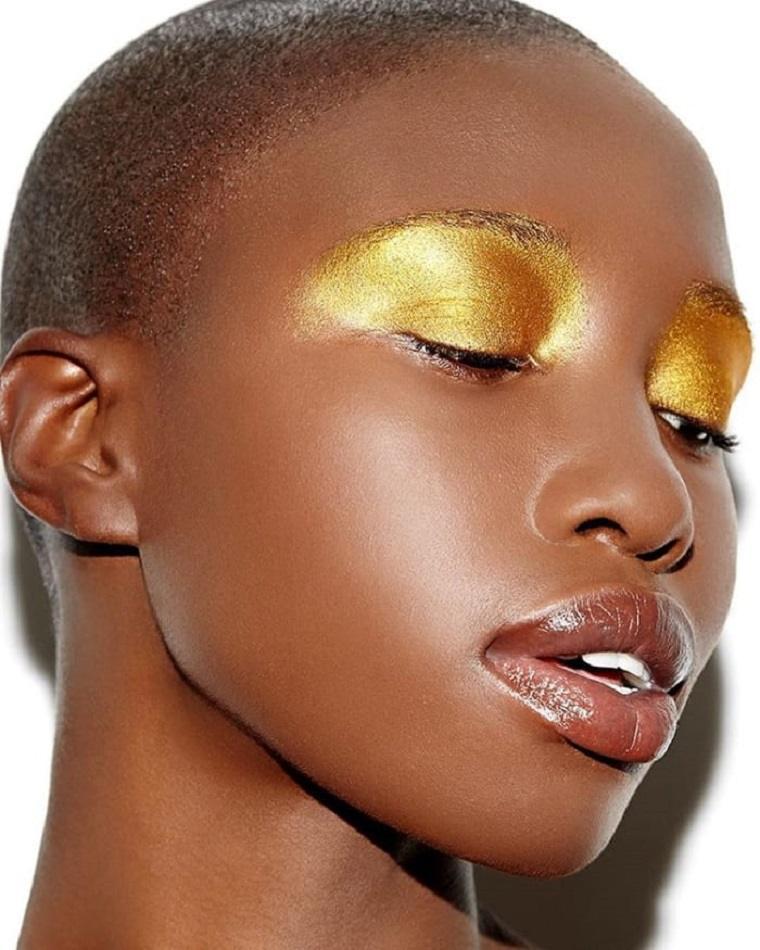 maquillaje-de-halloween-ojos-dorados