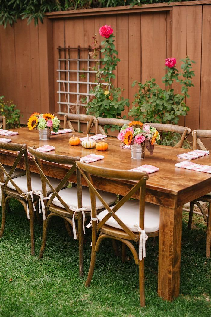 mesa-decorada-elegante-moderna