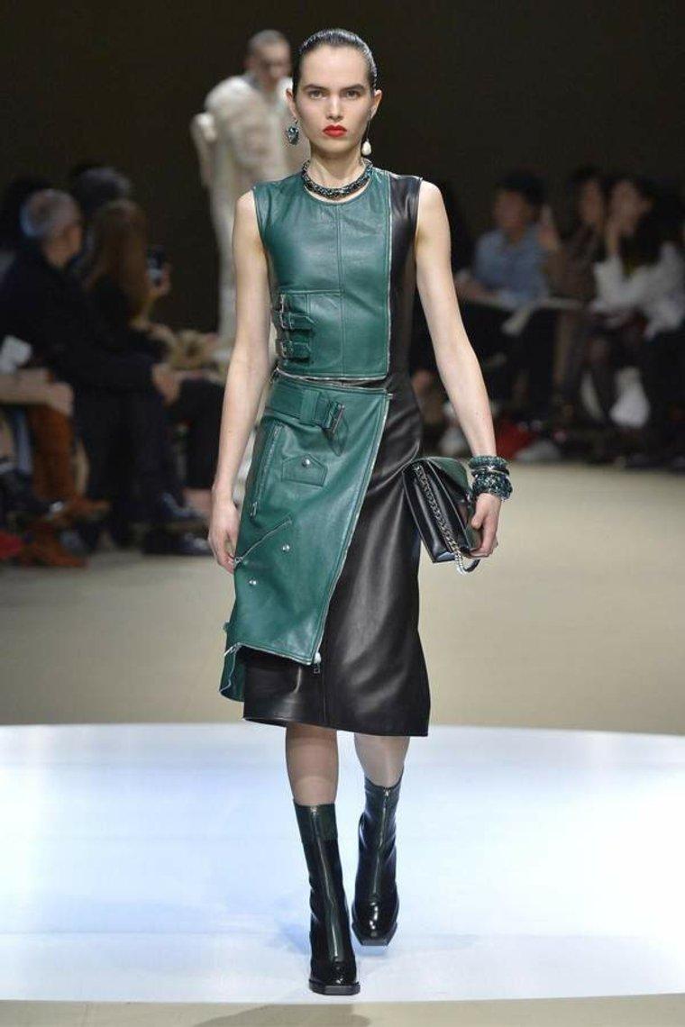 moda-para-mujer-vestido-de-cuero