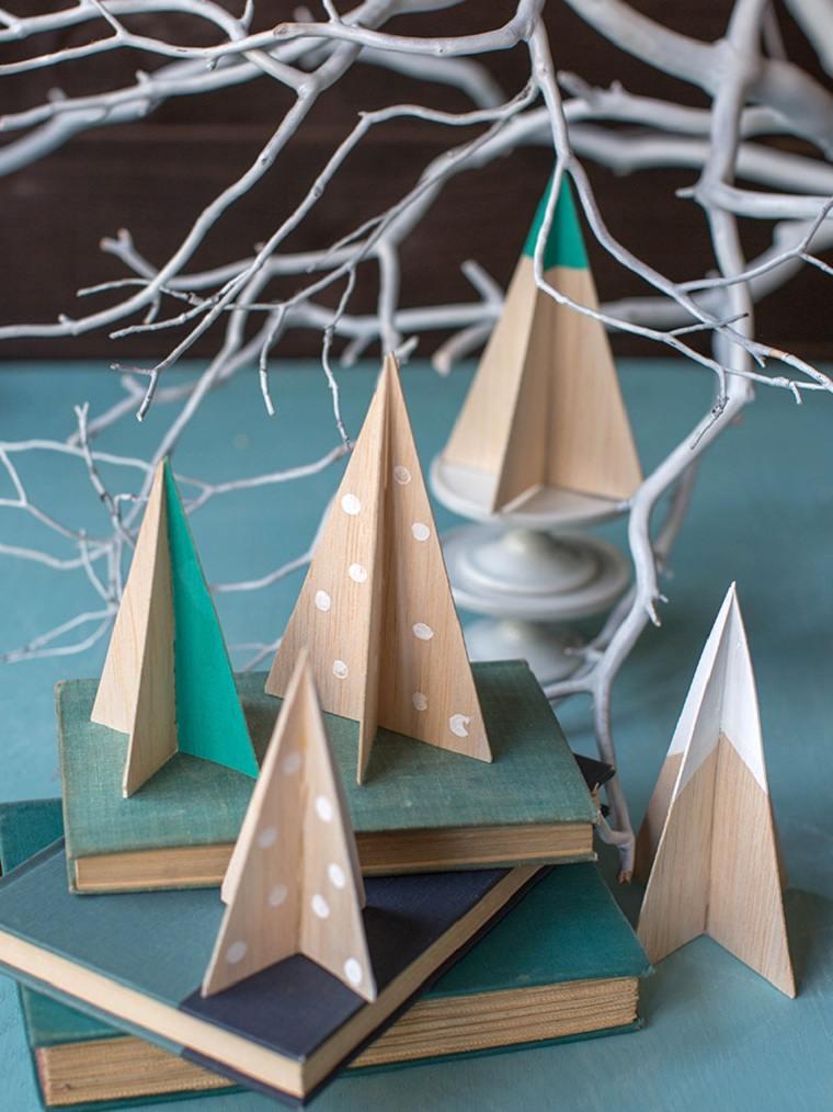 navidad-2018-decoracion-arboles-madera-pintados-ideas