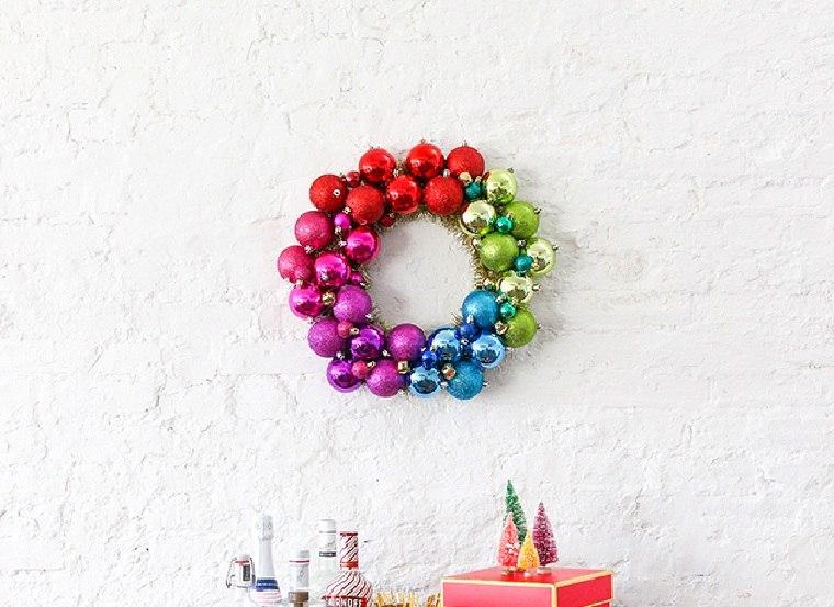 navidad-2018-decoracion-coronas-bolas-colores