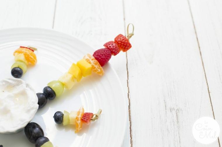 pinchos-de-frutas