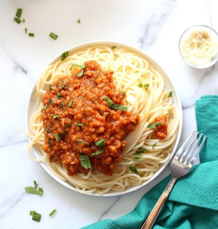 recetas veganas fáciles-lentejas-bolonesa-espaguetis