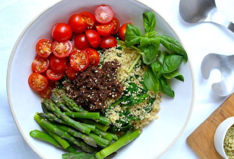 recetas-veganas-rapidas-verduras-quinoa