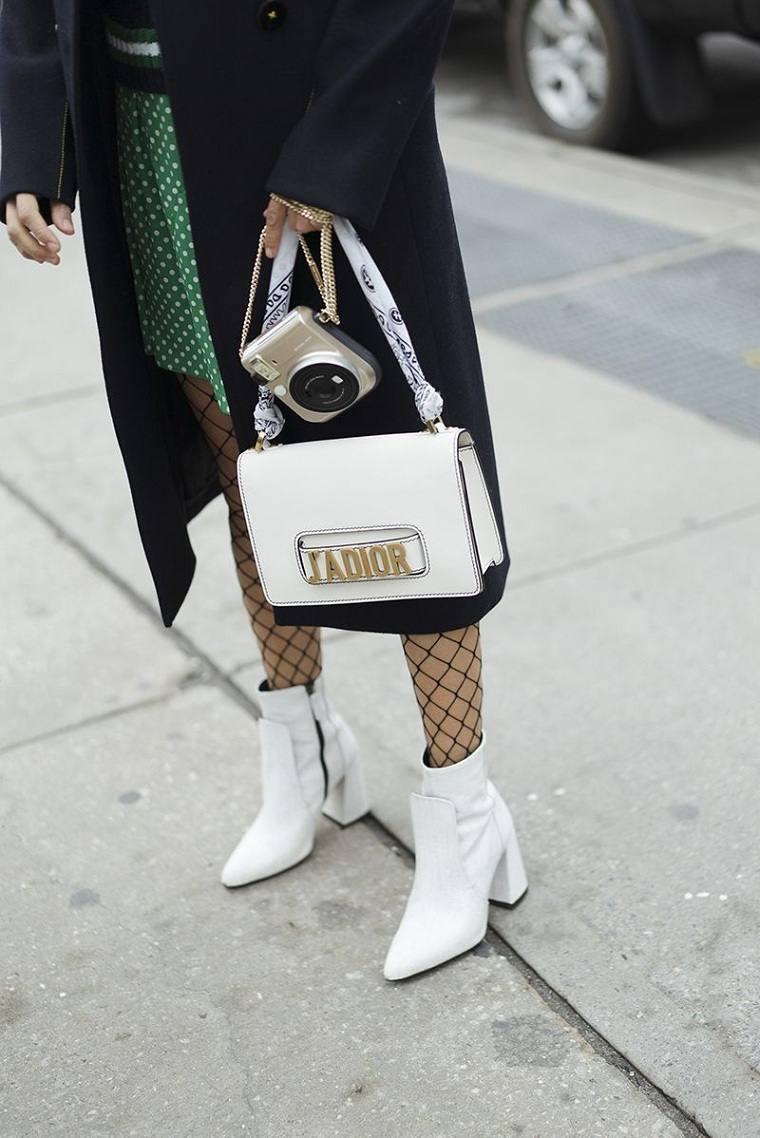 ropa-de-moda-2018-botas-blancas-ideas