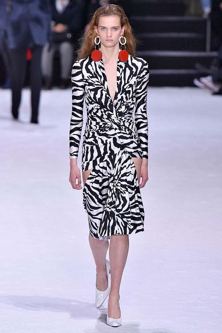 ropa de moda 2018-mujer-balenciaga