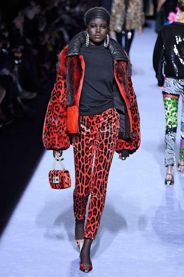 ropa de moda 2018-mujer-tom-ford
