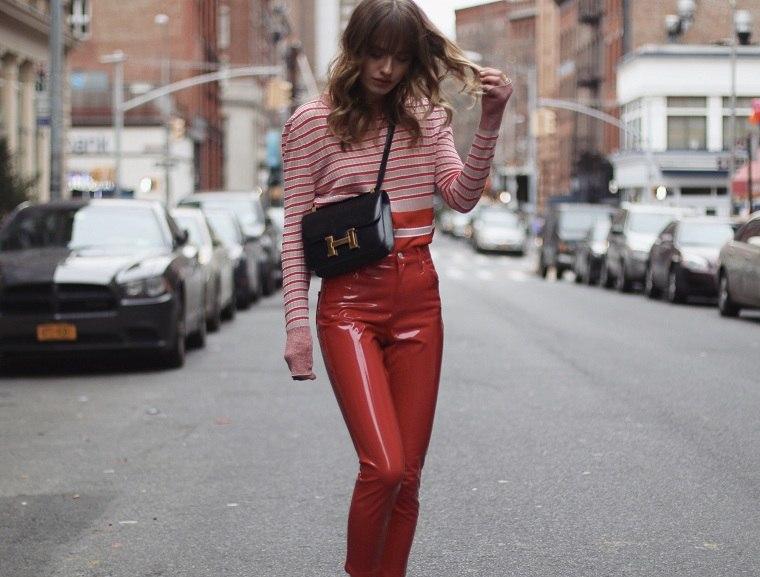 ropa-de-moda-2018-pantalones-vinilo-rojos