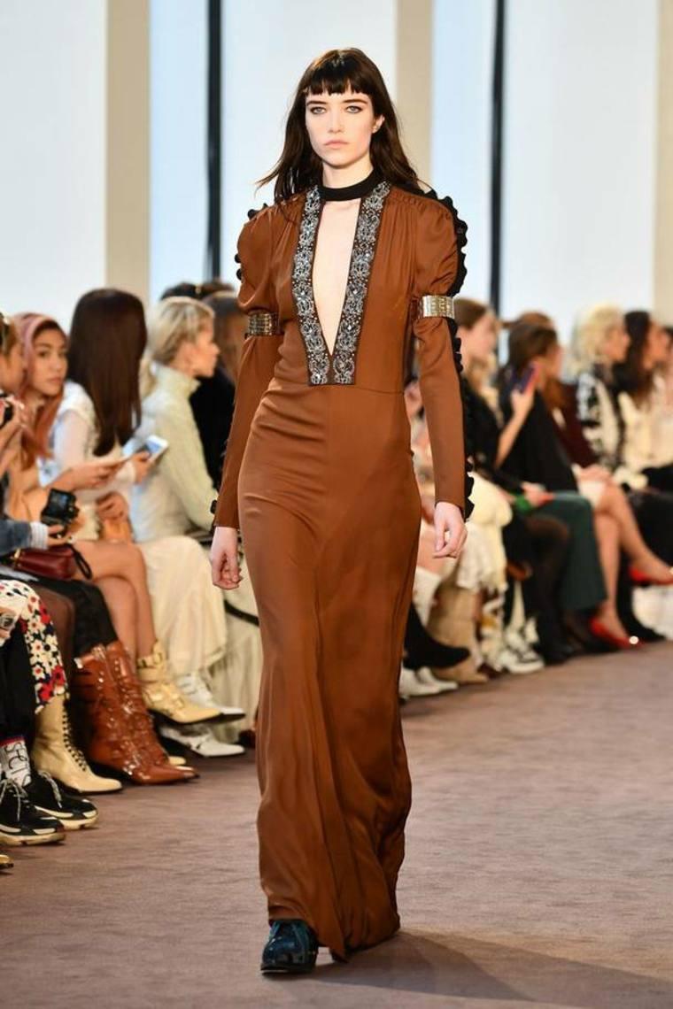 vestido-marron-pasarela