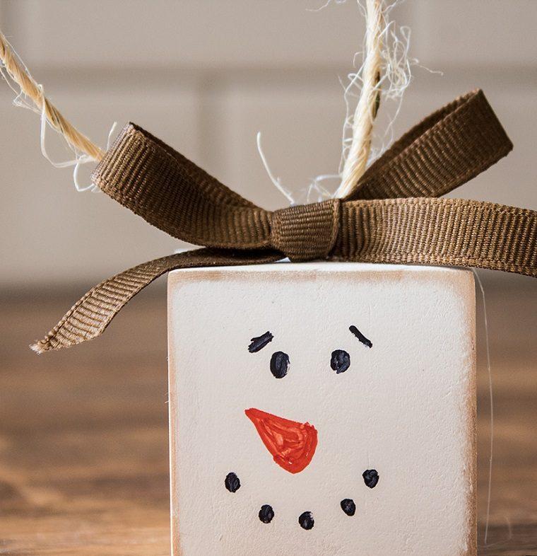 adorno-navideno-colgar -arbol-muneco-nieve-ideas