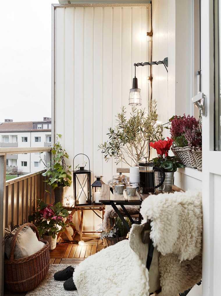balcon-pequeno-decoracion-invierno-ideas