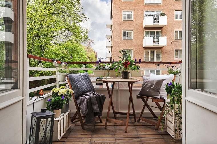 balcon-sillas-decoracion-opciones