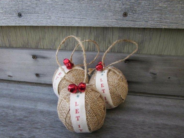 Bolas de Navidad con tela de arpillera