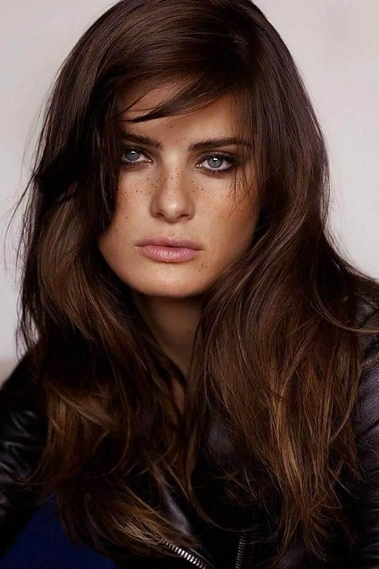 cabello-castano-langitud-media-opciones