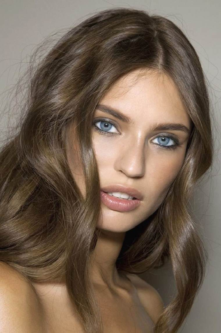 cabello-castano-natural-opciones-originales