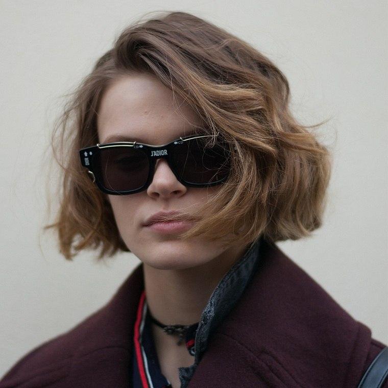 cabello-corto-castano-natural-estilo