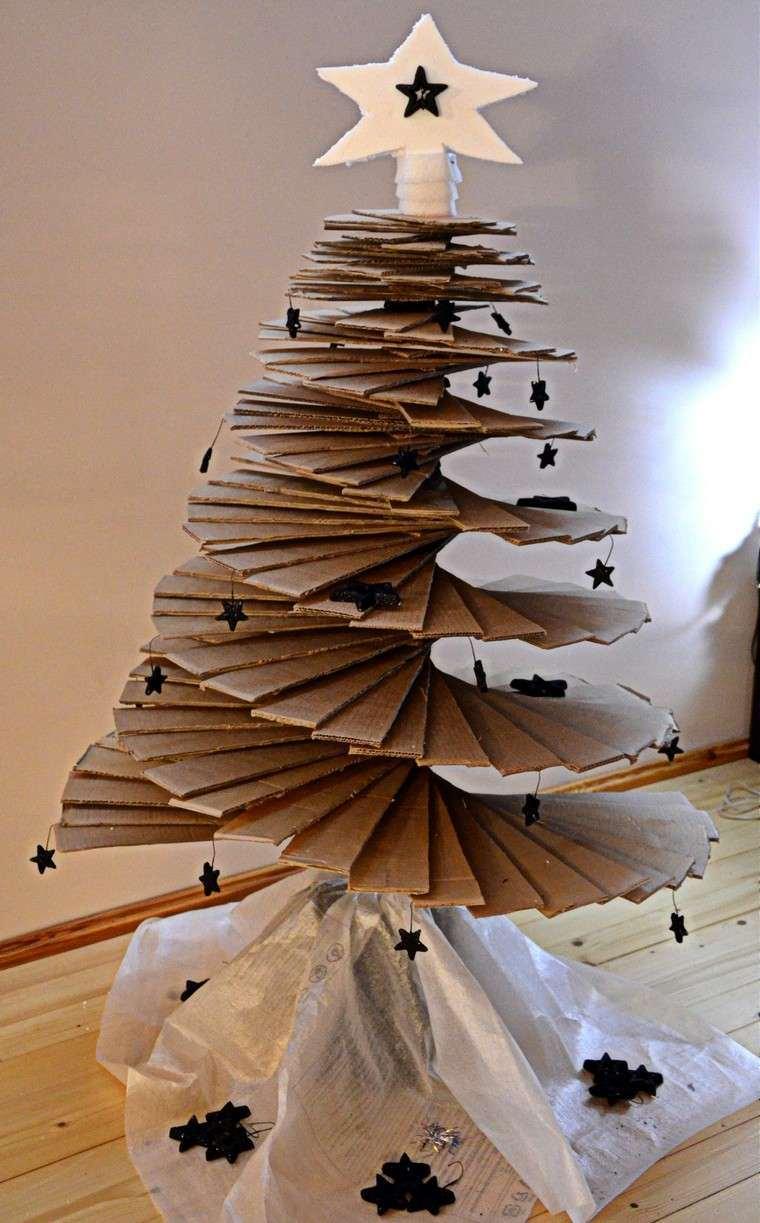 carton-reciclado-arboles-navidad