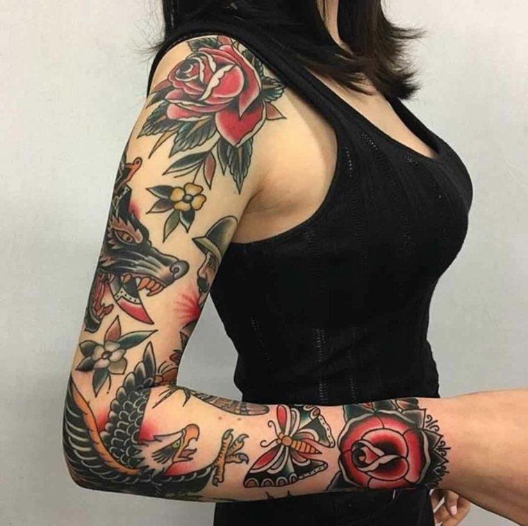 chica-con-manga-tatuada