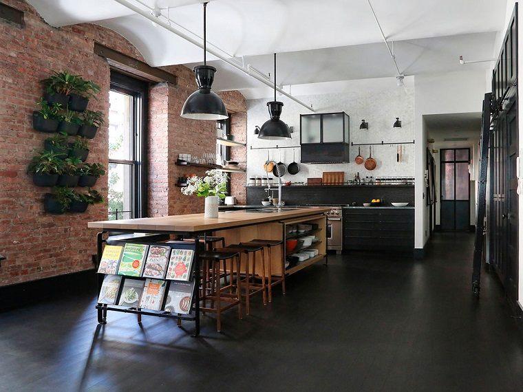 cocina-amplia-isla-grande-madera-ideas-estilo