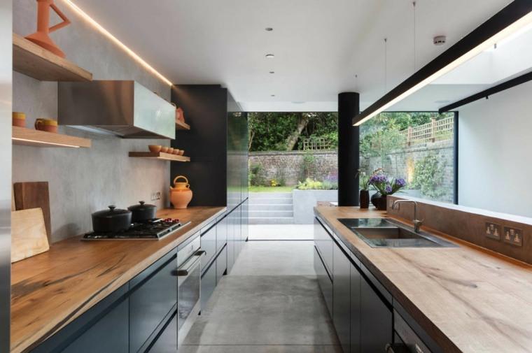 cocina-negra-encimeras-madera-opciones-diseno