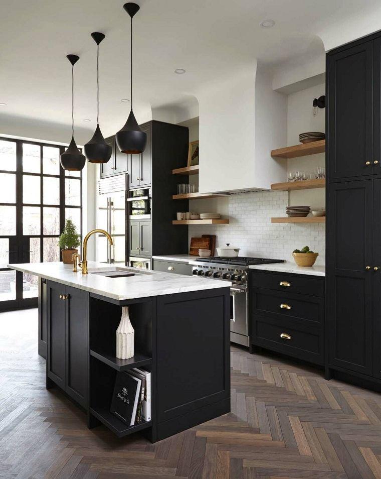 cocinas negras-estantes-madera-opciones