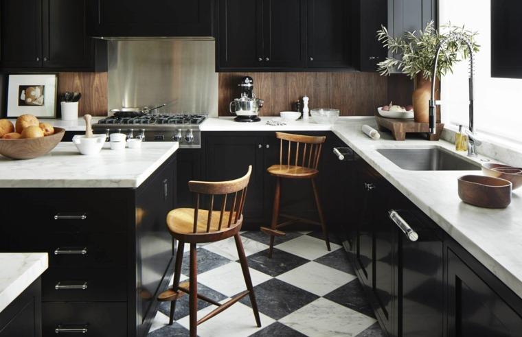 cocina-negra-salpicadero-madera-ideas