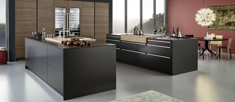 cocinas negras amplias-opciones-dos-islas-estilo-moda