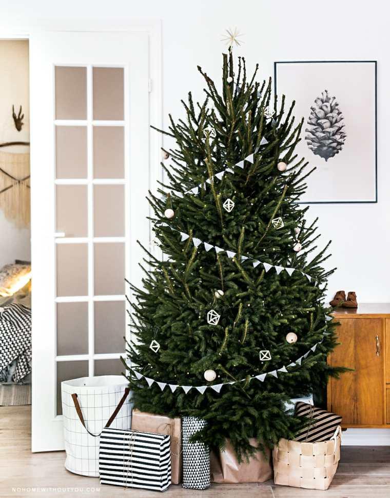 Arboles de Navidad artificiales escandinavos, ideas para integrar otro paisaje en el interior