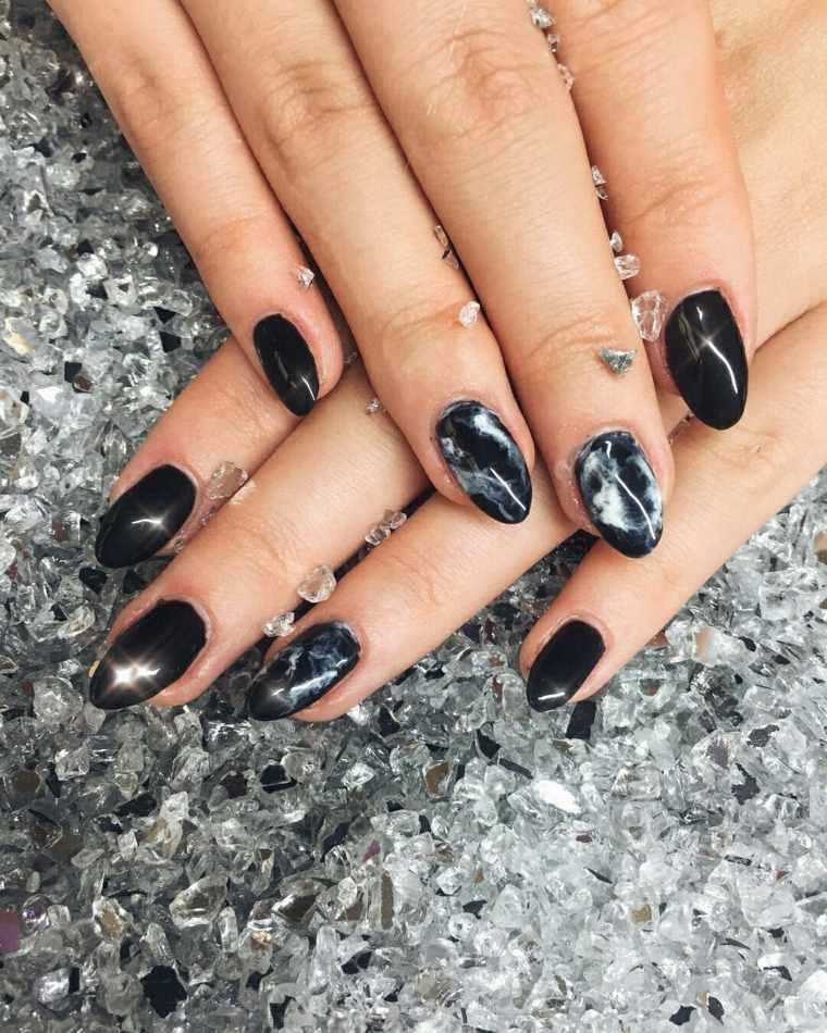 diseno-unas-invirno-2018-color-marmol-negro