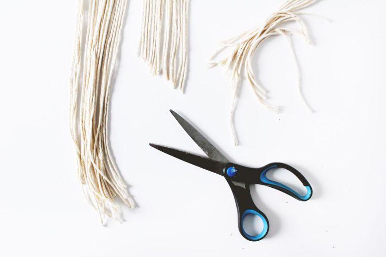 diy-corona-navidad-ideas-estilo-escandinavo-cortar