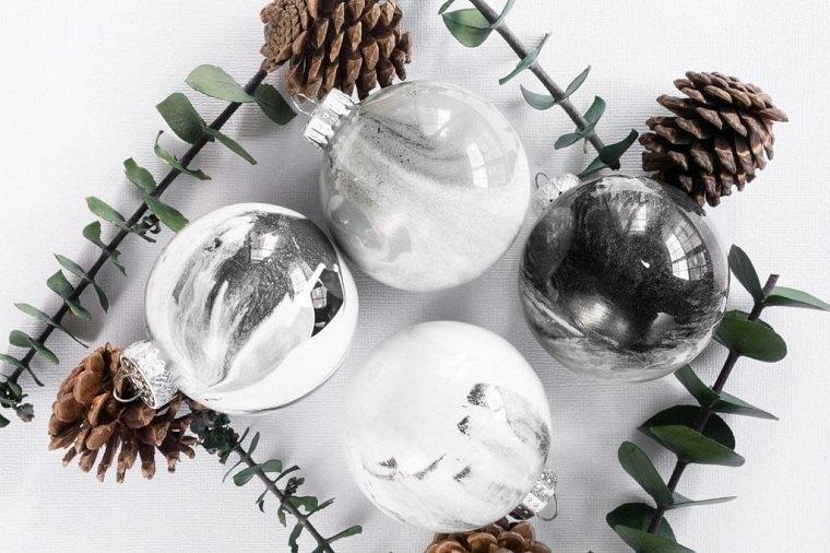 diy-ornamento-originales-arbol-navideno-marmol-efecto