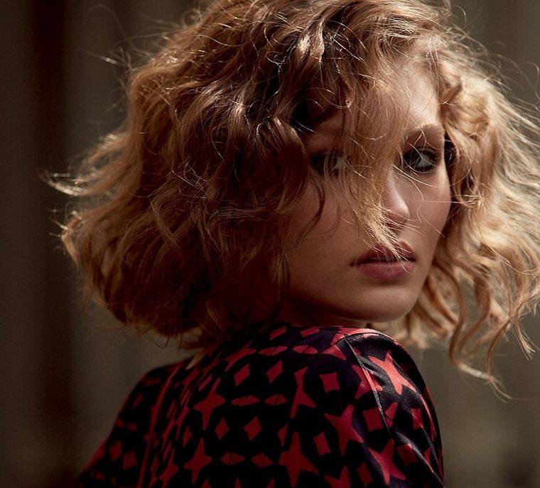 ideas-originales-tener-pelo-mujer-castano