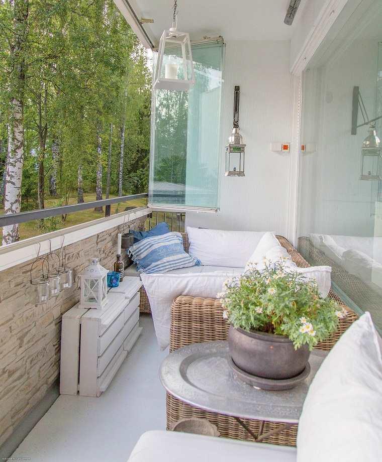 invierno-balcon-decorar-espacios-estrechos