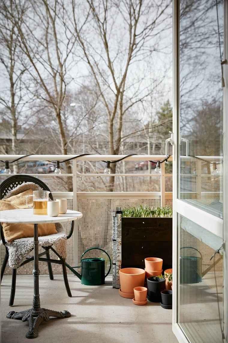 invierno-balcon-decorar-muebles-mantas