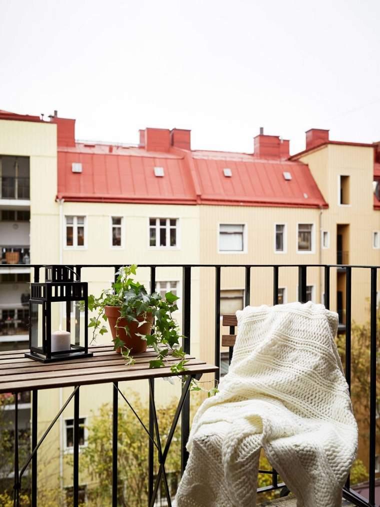 invierno-balcon-decorar-muebles-plegables-silla