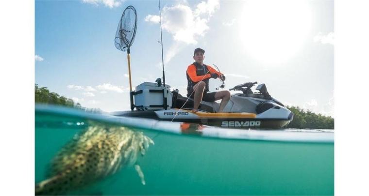 moto acuatica pesca