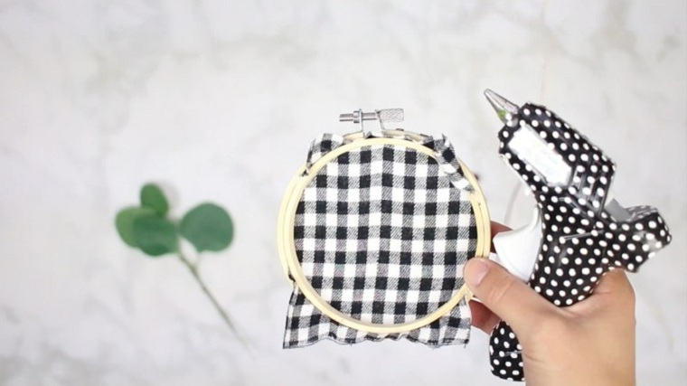 manualidades-de-navidad-faciles-de-hacer-adornos-aros-tela