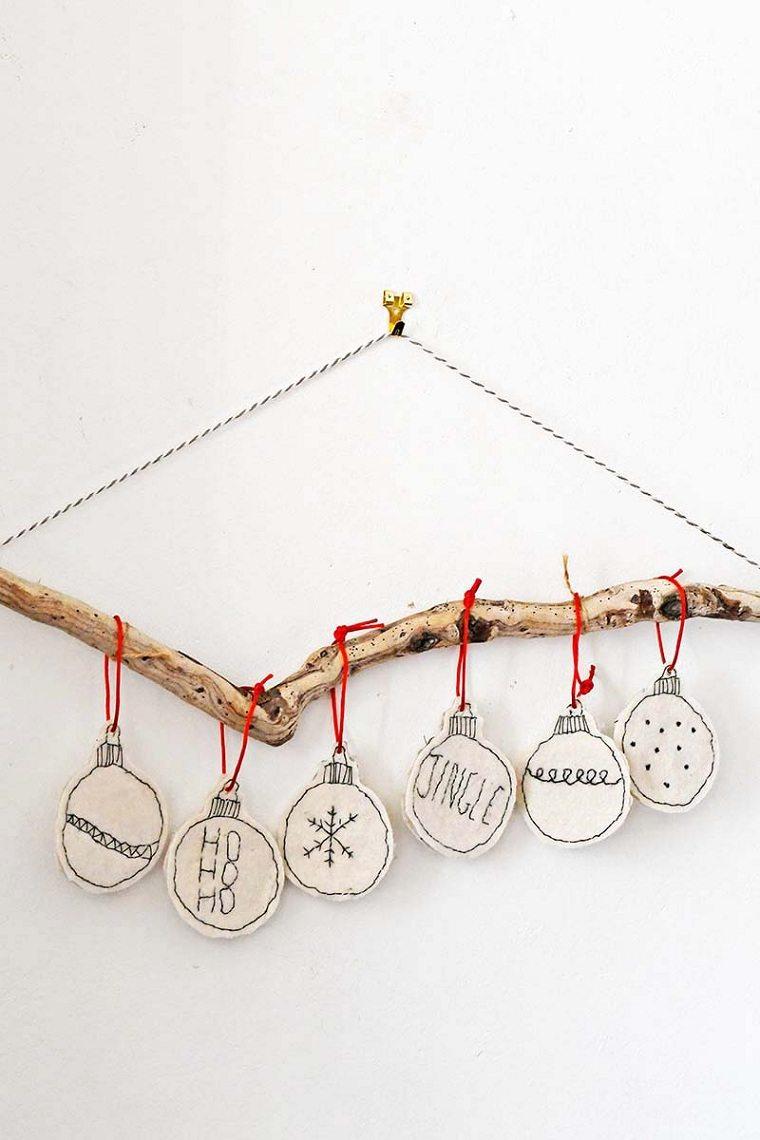 manualidades-de-navidad-faciles-guirnalda-madera