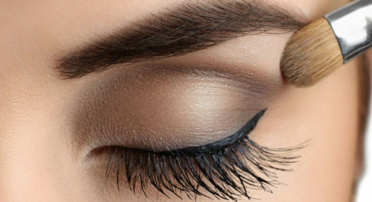 maquillaje de ojos-marrones-dia