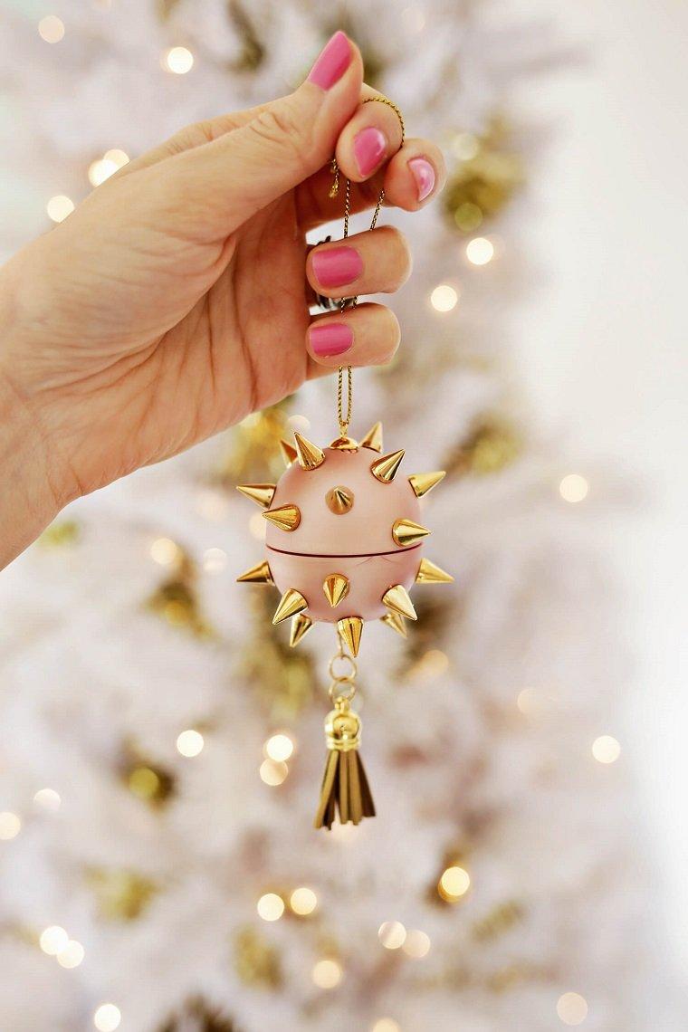 como decorar un árbol de navidad ornamentos-maquillaje-opciones