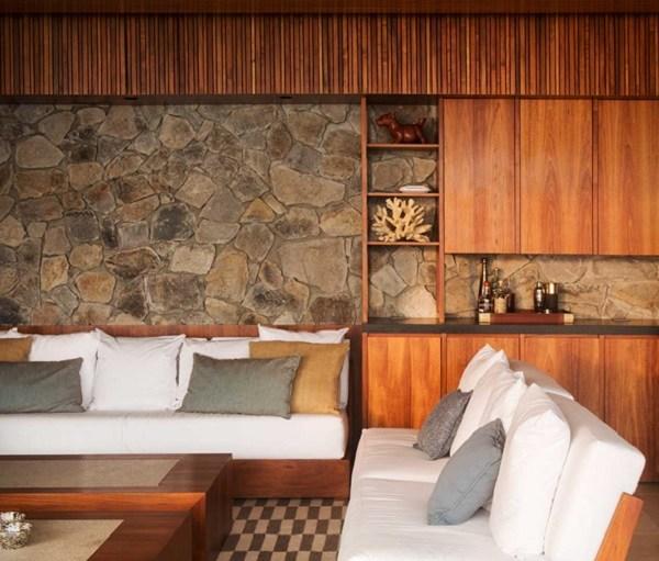 paredes-acabadas-madera-rocas