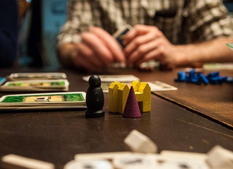 regalos-originales-juegos-mesa-opciones-adolescentes