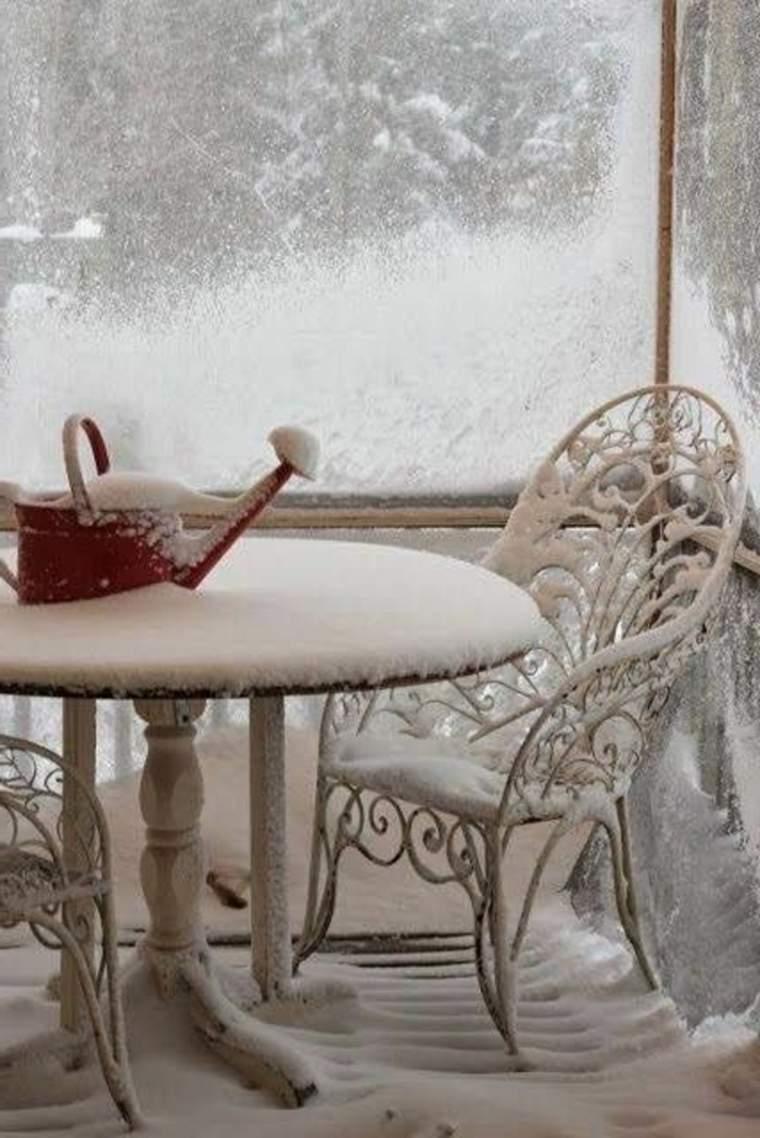 terraza-cubierta-de-nieve