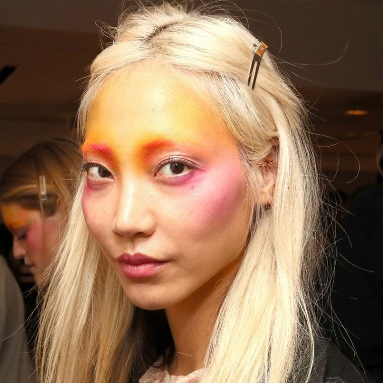 Anna-Sui-moda-primavera-2019-ideas-maquillaje-original