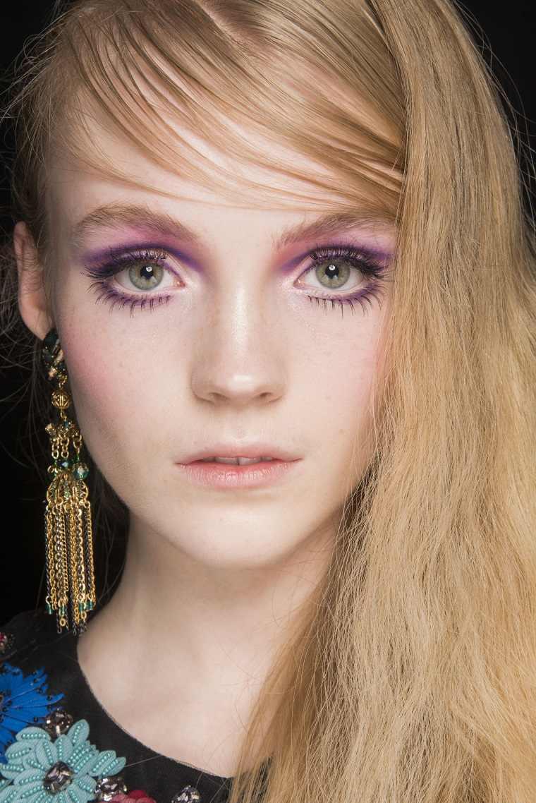 anna-sui-cabello-rubio-estilo-moda