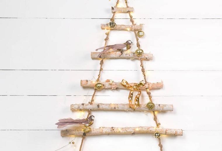 arbol-navidad-madera-decorar-casa-colgando-pared