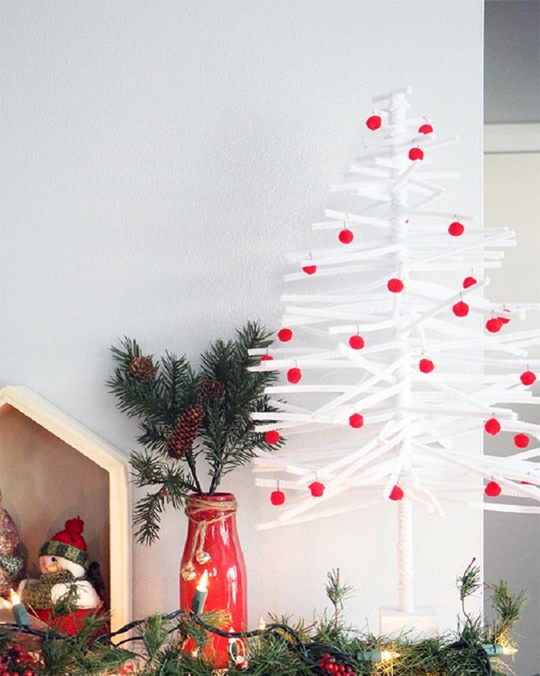 arboles-de-navidad-originales-decorar-chimenea
