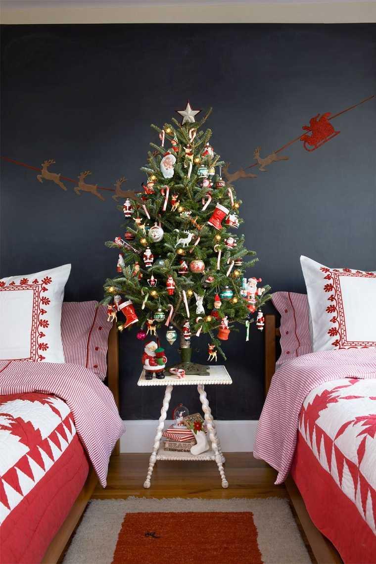 arboles-de-navidad-originales-decorar-dormitorio-ninos