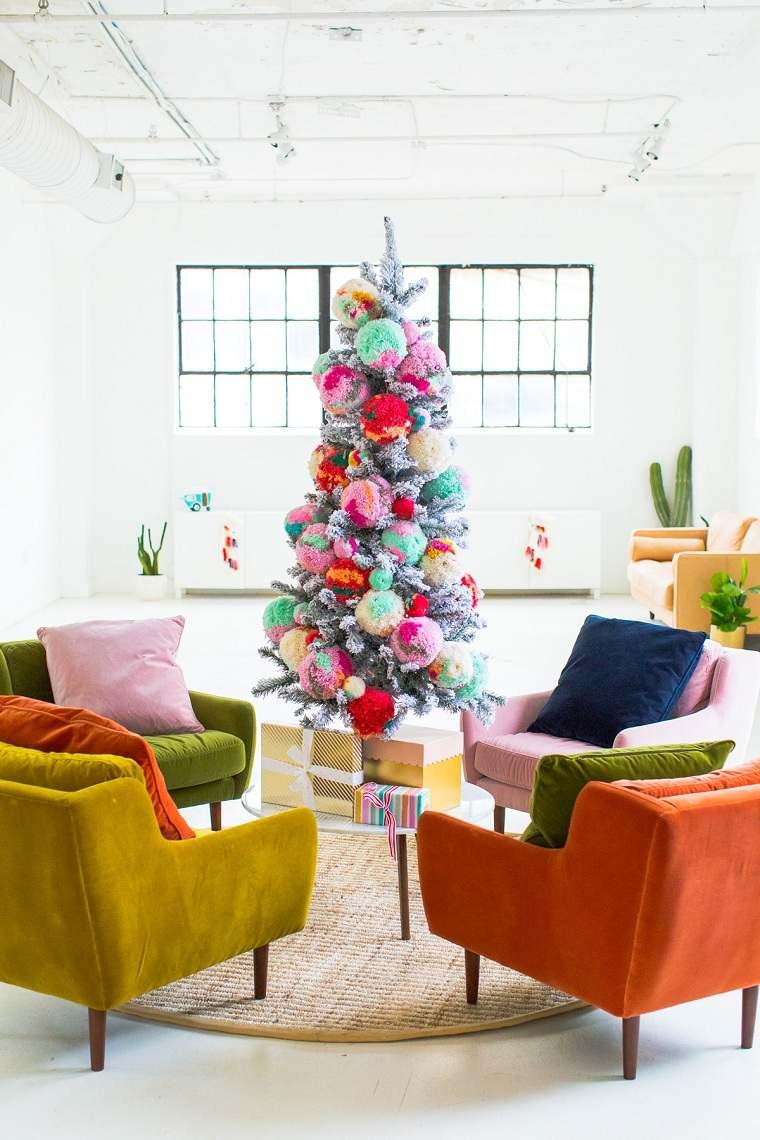 arboles-de-navidad-originales-decorar-pompones